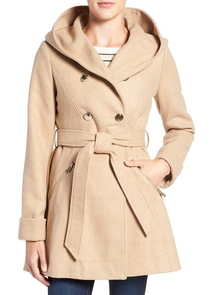 Jessica Simpson double breasted hooded trench coat in camel - A hooded fit-and-flare design puts a modern, ultrafemme...