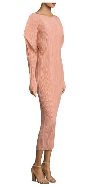 Jil Sander silk pleated dress in peach - Puffed shoulders enliven this silk pleated dress....