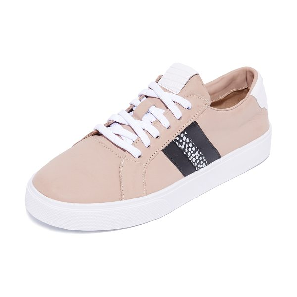 KAANAS tatacoa sneakers in nude - Sturdy leather KAANAS sneakers detailed with sporty,...