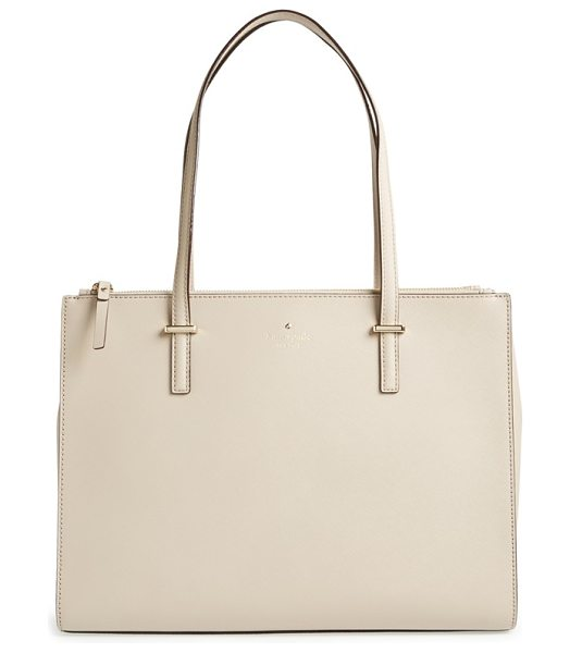 KATE SPADE NEW YORK Cedar street - Go from boardroom to boardwalk with this clean-lined...
