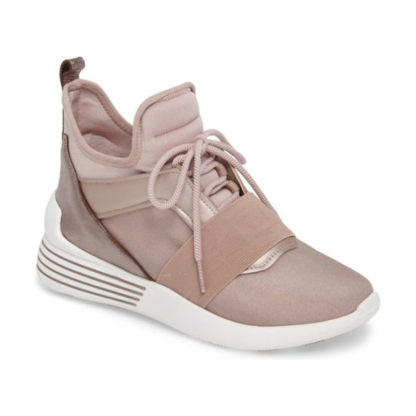 KENDALL + KYLIE braydin sneaker in wood rose - This futuristic sneaker elevates your style with an...