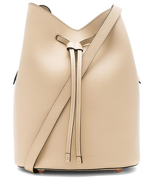 KENDALL + KYLIE Ladie Bucket Bag in nude - Leather exterior and lining. Drawstring top closure....