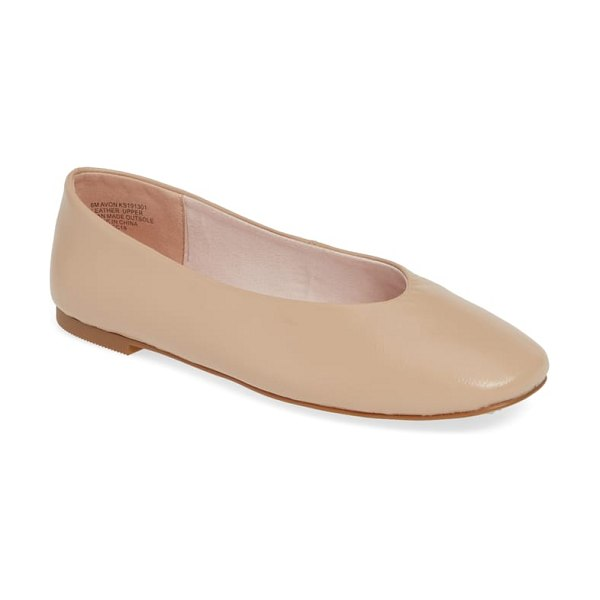 Kensie avon flat in beige - Designed for all-day comfort, this minimalist leather...