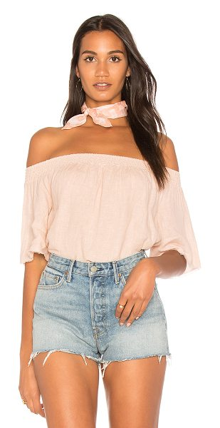 krisa Linen Off Shoulder Top in blush