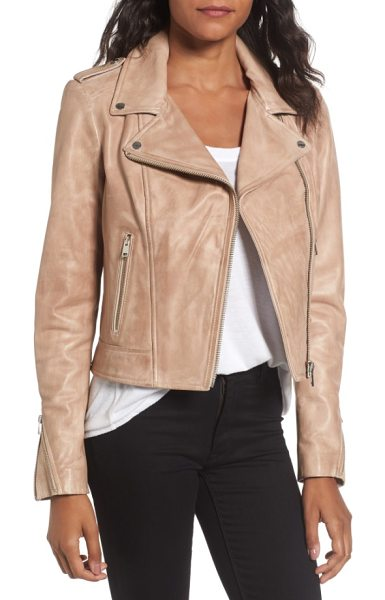 LaMarque donna lambskin leather moto jacket in caramel - Channel-quilted stitching at the epaulets and cuff...