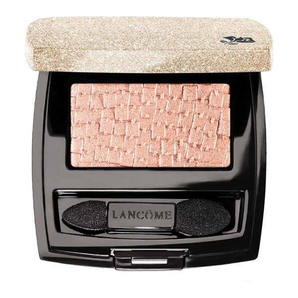 Lancome petit tresor eyeshadow in rose satin - What it is: A beautiful golden glittered case encloses a...