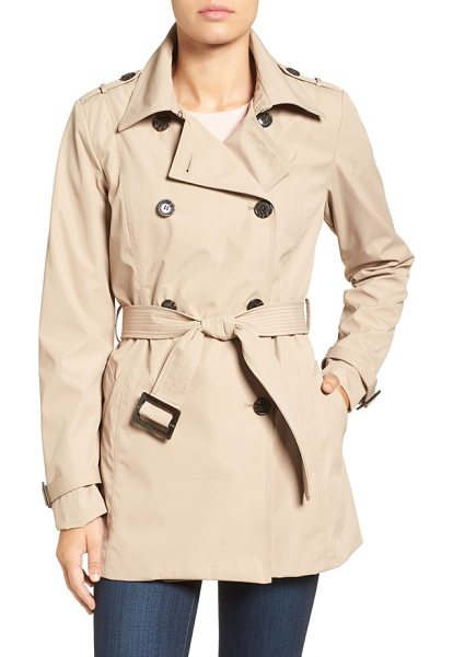 Larry Levine water resistant trench coat in khaki - Sleek water-resistant construction modernizes a...