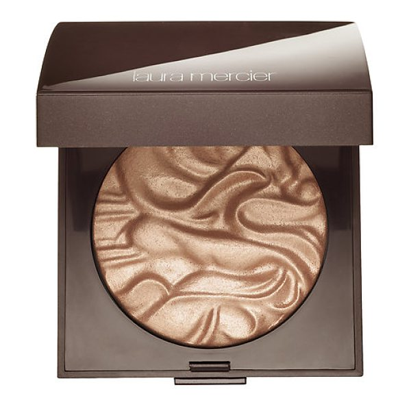 Laura Mercier face illuminator powder indiscretion - A long-wearing, buildable and versatile highlighting...