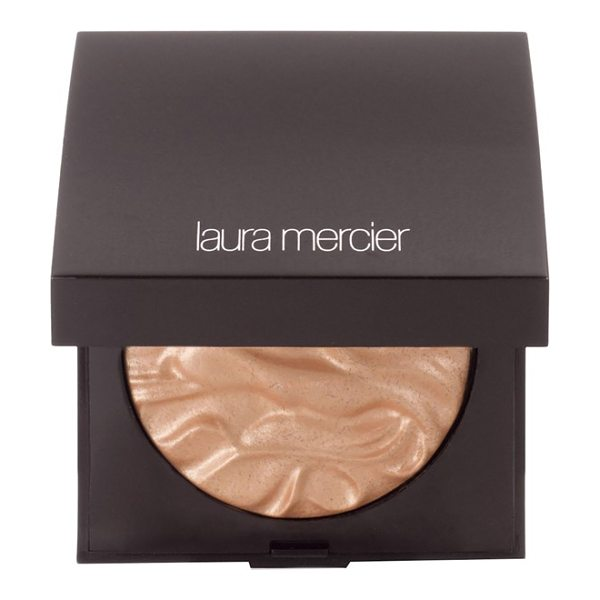 Laura Mercier Face illuminator in indiscretion - Highlight your cheeks, eyes and decolletage and give...