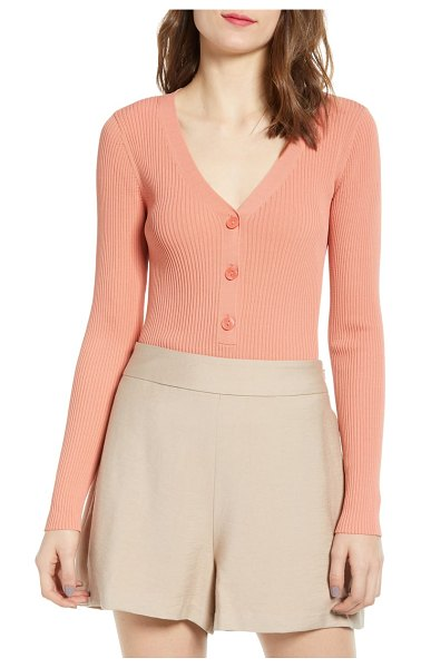 Leith rib henley in coral - Cut from a stretchy ribbed knit, this plunging henley...