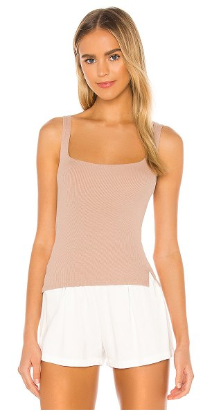 LnA essential scoop tank in nude