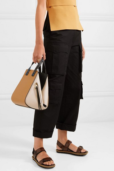 Loewe hammock small color-block textured-leather shoulder bag in beige - The beauty of Loewe's 'Hammock' bag lies in its...