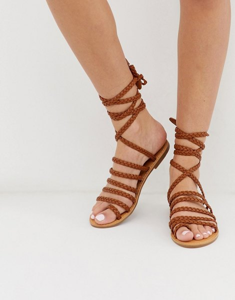 London Rebel plaited toe loop sandals in tan
