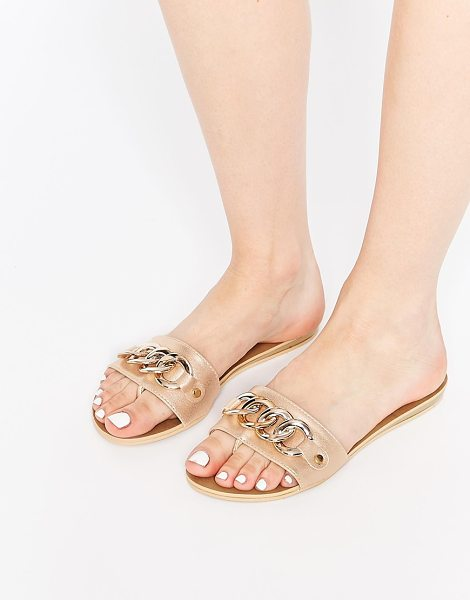 London Rebel Zora chain slide flat sandals in nude - Shoes by London Rebel Leather-look upper Single foot...