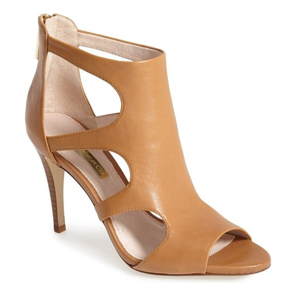 LOUISE ET CIE winnie leather pump - Dramatically curved cutouts instantly elevate a modern...