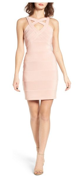 Love, Nickie Lew love in mauve - This dramatic dress in a figure-enhancing body-con...
