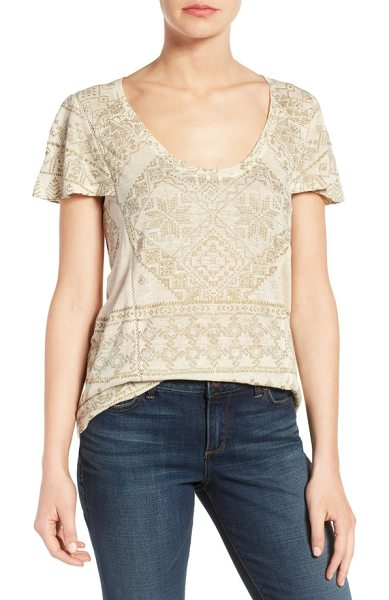 LUCKY BRAND metallic geo embroidered knit top - Gilded metallic threads trace an intricate geometric...