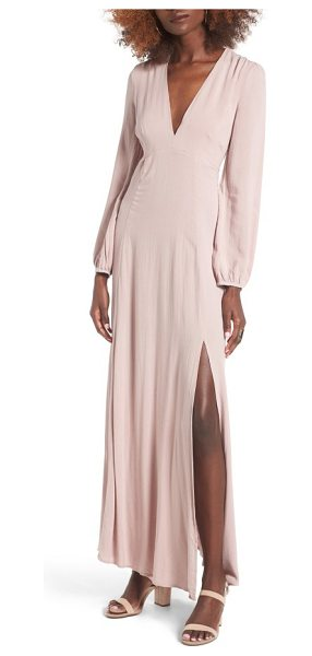 Lush open back woven maxi dress in mauve - With its plunging neckline, thigh-high skirt slit and...