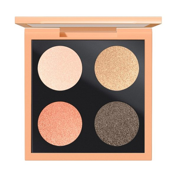 MAC Eyeshadow palette in call of the canyon - Let your eyes escape reality with this palette of four...