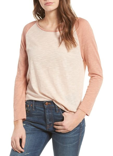 Madewell baseball tee in dusty clay - Nail a sporty, laid-back look in this easy-fitting...