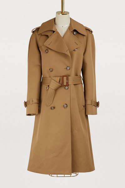 MAISON MARGIELA Cotton trench coat in camel - Used to revisiting classics, Maison Margiela offers this...