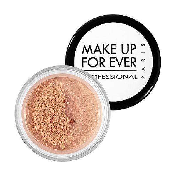 MAKE UP FOR EVER star powder iridescent beige 926 0.09 oz/ 2.8 g - This shimmering, silky powder catches the light and...