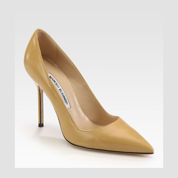 Manolo Blahnik bb 105 leather point toe pumps in beige - Go-to leather design with a skinny heel and flattering...