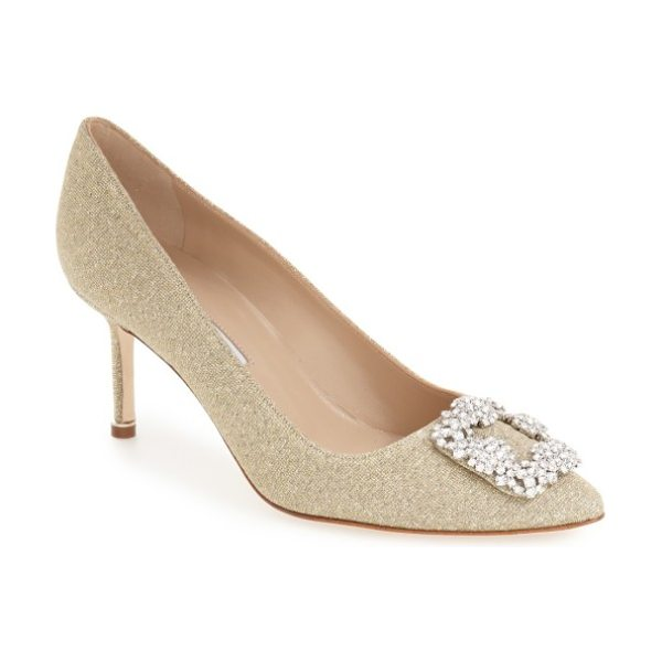Manolo Blahnik hangisi pump in gold fabric - A gorgeous crystal brooch crowns the pointed toe of an...