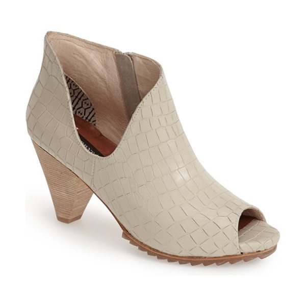 Matt Bernson jagg bootie in bone croco - A deeply curved topline and geometric woven finish...