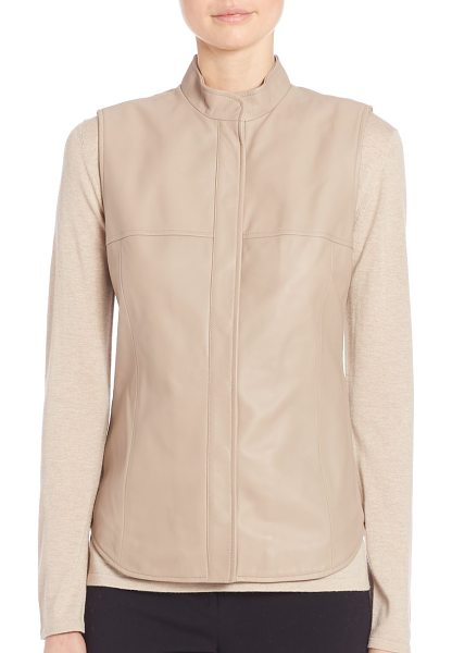Max Mara ussel leather vest in beige - Buttery leather elevates this fashion-forward layer....