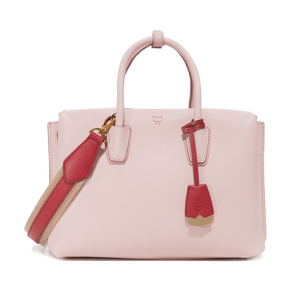 MCM milla tote in pale mauve - A structured MCM tote composed of pebbled leather. 2...