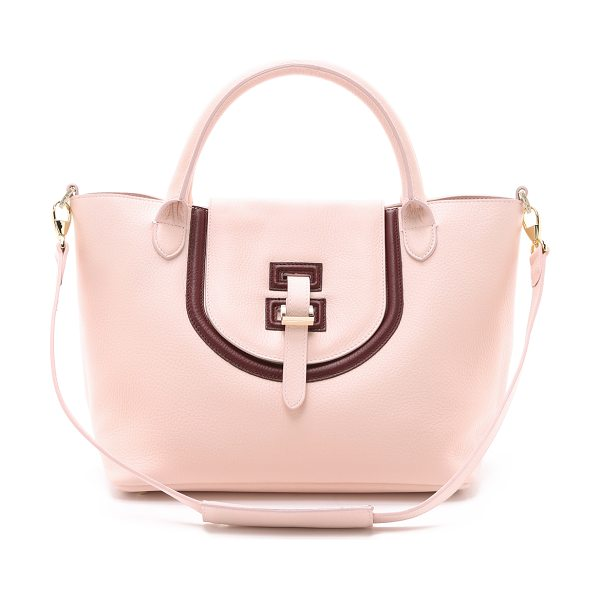 meli melo Medium thela halo bag in pastel pink/burgundy - A wrinkled leather meli melo handbag with a slouchy...