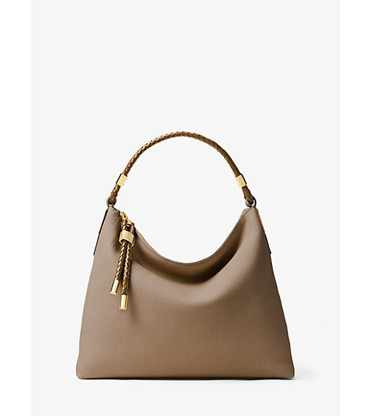 MICHAEL KORS COLLECTION Skorpios Large Leather Shoulder Bag in natural - Our Superbly Chic Skorpios Shoulder Bag Is Crafted From...