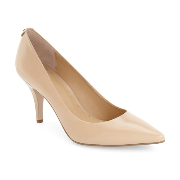 MICHAEL MICHAEL KORS flex pump in nude leather - Timeless styling mixed with the enhanced comfort of a...