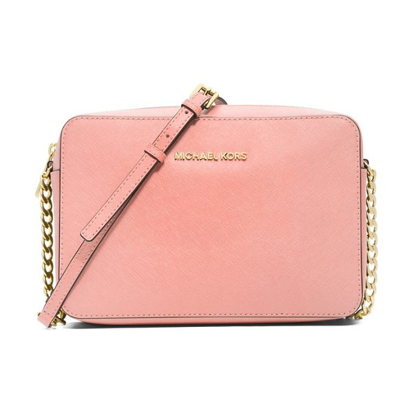 MICHAEL Michael Kors Large jet set east/west saffiano crossbody bag in pale pink - A slender chain-detailed strap suspends the trim...
