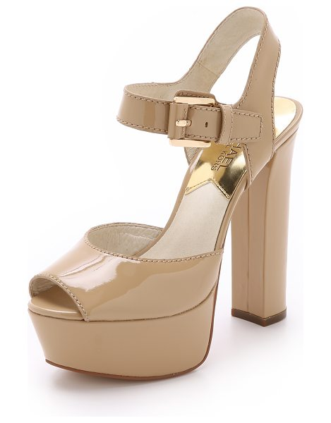 MICHAEL Michael Kors London platform sandals in nude - Peep toe MICHAEL Michael Kors sandals in glossy patent...
