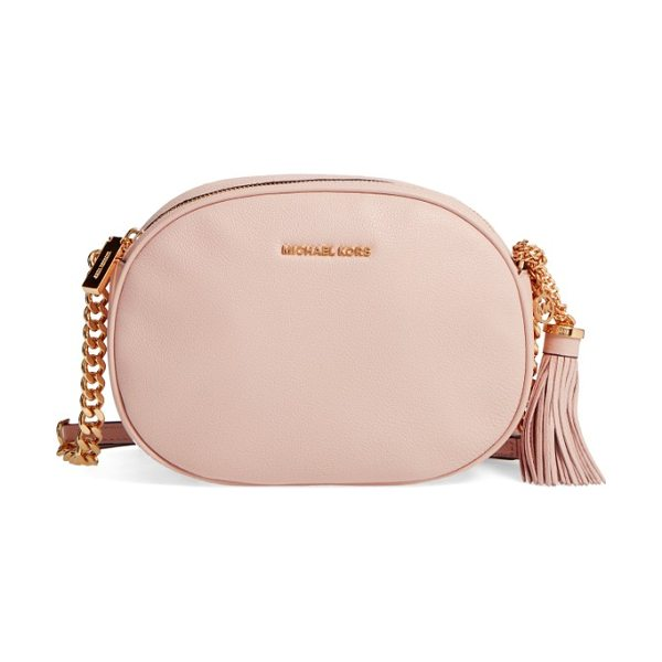 MICHAEL MICHAEL KORS medium ginny leather crossbody bag - The oval shape of this pebbled leather bag is so chic,...