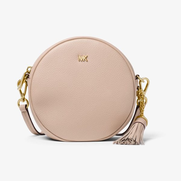 MICHAEL Michael Kors Pebbled Leather Canteen Crossbody in pink - Perfectly Sized For Just The Essentials This Crossbody...