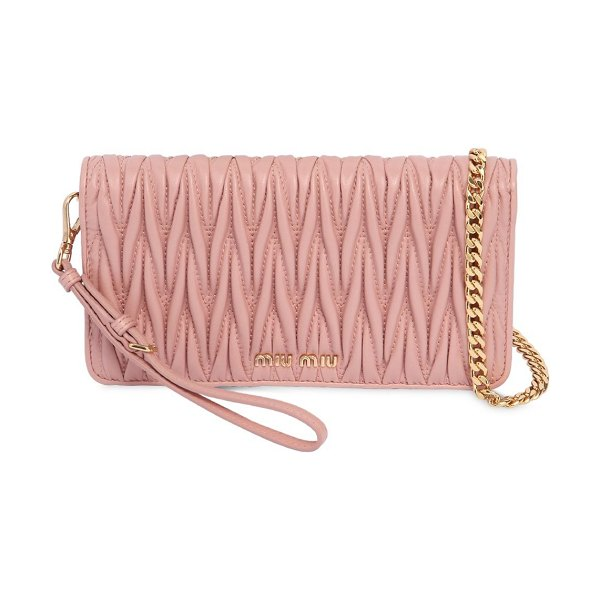 Miu Miu Mini quilted leather shoulder bag in pink - Height: 10cm Width: 19cm Depth: 5cm. Detachable metal...