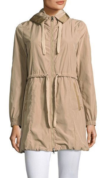 Moncler topaze jacket in beige - Made from a water-repellent fabric, this parka-style...
