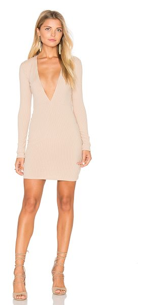 Motel Meli Dress in nude - 94% poly 6% elastan. Unlined. MOTE-WD270. DR16MEL NUD...