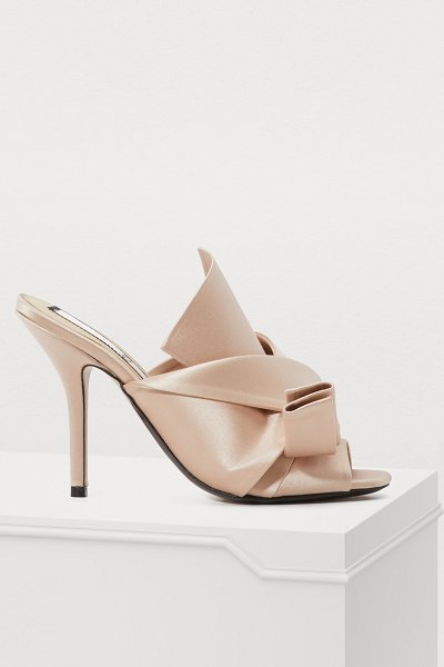 N 21 Bow mules in nude