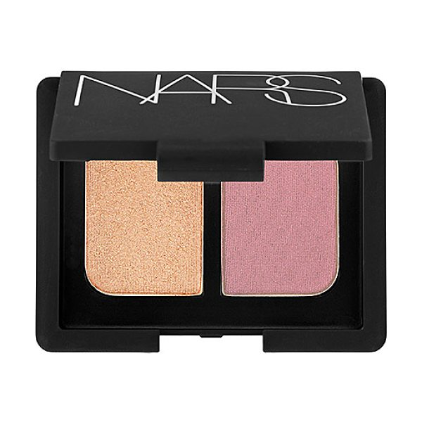 NARS duo eyeshadow sugarland 0.14 oz/ 4 g - A mini mirrored compact featuring two crease-proof NARS...