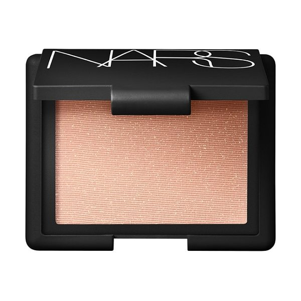 NARS Highlighting blush powder in satellite of love - This truly versatile highlighting product may be worn on...