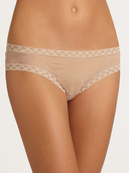 NATORI FOUNDATIONS bliss lace brief in nude - Geometric soft-stretch trim lines this design of...