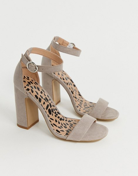 New Look block heel sandal in stone in stone
