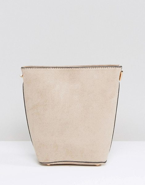 New Look Chain Suedette Bucket Bag in beige