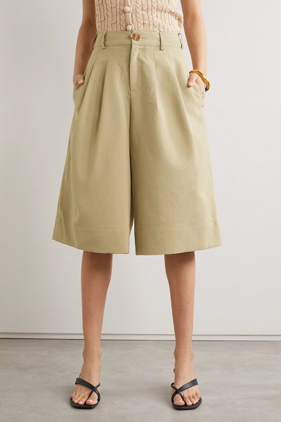 Nicholas amy pleated twill shorts in taupe