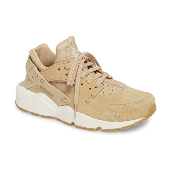 Nike air huarache run sd sneaker in mushroom/ bone/ sail/ brown - Throw it back to the '90s in this techy,...