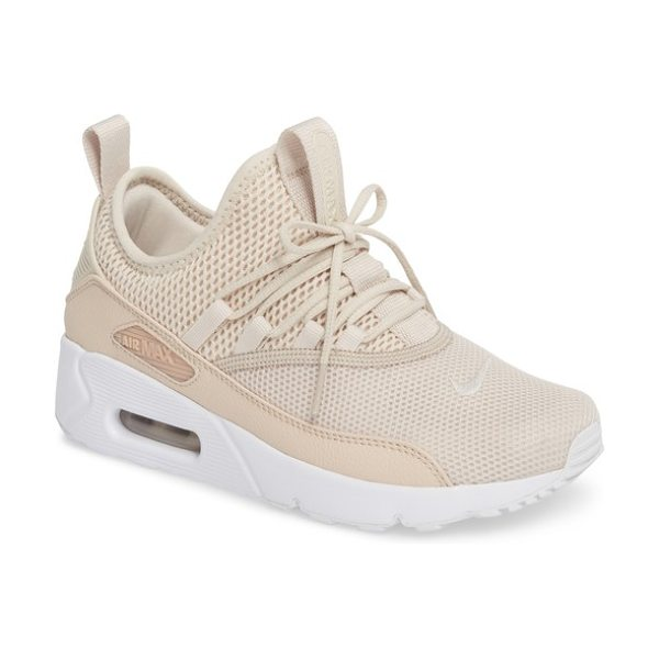 NIKE air max 90 ez sneaker in desert sand/ desert sand - An ultra-lightweight reboot of a '90s icon, this...